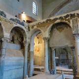 Basilica San Felice: Tempio romano riutilizzato per affresco